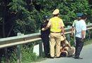 Tin tức - Hải Phòng: Bị dừng xe kiểm tra, thanh niên đâm gãy chân cảnh sát cơ động