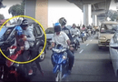 Tin tức - Video: Cướp đi xe máy đập vỡ kính ô tô, giật túi xách trong 3 giây
