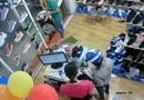 """Tin tức - Video: """"Nữ quái"""" trộm điện thoại tinh vi trong shop giày"""