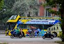 Tin tức - Xe buýt 2 tầng mui trần xuất hiện trên đường phố Hà Nội
