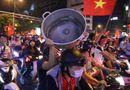 """Tin tức - Màn ăn mừng """"bá đạo"""" của người hâm mộ sau chiến thắng giòn giã của đội tuyển Việt Nam"""