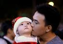 Tin trong nước - Người dân Hà Nội, Sài Gòn nô nức đổ ra đường đón Giáng sinh