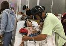 Tin tức - Người đàn ông bỏ lại xe máy, ngược xuôi đưa nạn nhân vụ tai nạn đi cấp cứu