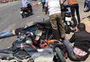 Tin tức - Xót xa những vụ tai nạn thảm khốc do ô tô đâm lao vào người đứng chờ đèn đỏ