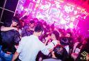"""Tin tức - Đột kích quán bar lớn nhất Gia Lai, phát hiện 57 """"nam thanh nữ tú"""" phê ma túy"""