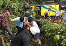 Tin tức - Vụ xe khách lao xuống vực đèo Hải Vân: Ướp đá cánh tay đứt lìa của nữ sinh chở thẳng đến bệnh viện