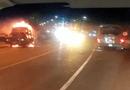 Tin tức - Xe tải bỗng nhiên bốc cháy trên đường dẫn vào hầm Hải Vân