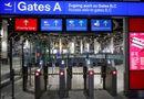 Tin thế giới - Gần 100.000 hành khách bị hoãn, hủy chuyến bay vì nhân viên an ninh đình công