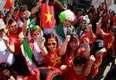 Tin tức - Ngắm dàn mỹ nữ khoe sắc trên khán đài trận Việt Nam - Iran