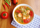 Tin tức - Món ngon mỗi ngày: Canh tôm chua nấu khế giải ngán sau Tết