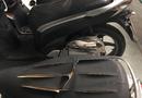 Tin trong nước - Hoảng hốt phát hiện gần chục xe máy để tại chung cư bị kẻ xấu rạch nát yên