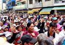 Xã hội - Phản cảm livestream, chụp ảnh câu like ở đám tang Anh Vũ