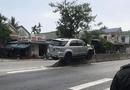 Tin trong nước - Tin tức tai nạn giao thông mới nóng nhất hôm nay 22/5/2019: Ô tô nằm gọn trên dải phân cách