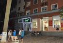 Tin trong nước - Bàng hoàng phát hiện bé gái nguy kịch trên mái tôn chung cư tại Hà Nội