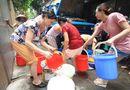 Tin trong nước - Nước sông Đà xuống thấp, người dân Hà Nội đối mặt nguy cơ thiếu nước sạch