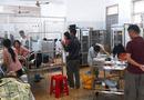 Tin trong nước - Vụ hơn 300 người nhập viện sau ăn tiệc cưới ở Đắk Lắk: Hai cơ sở bị tạm ngừng kinh doanh
