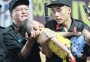 Việc tốt quanh ta - Danh tính Đại úy CSCĐ dùng tay chèn miệng bé trai bị co giật trên sân Thiên Trường