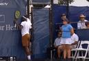 Video-Hot - Video: Chưa hết trận đã vội ăn mừng, tay vợt nhận kết cục bẽ bàng