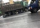 Tin trong nước - Xe máy va chạm ô tô tải, 2 du khách người nước ngoài thương vong