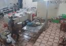 Video-Hot - Video: Nữ nhân viên trạm dừng nghỉ bị thanh niên xăm trổ tạt axit thẳng vào mặt