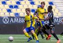 Thể thao - Bị lãng quên ở Sint-Truidense, giá chuyển nhượng của Công Phượng vẫn tăng vọt