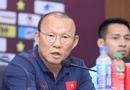 """Thể thao - HLV Park Hang-seo thừa nhận """"có chút lo lắng về Công Phượng"""""""