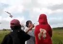 Gia đình - Tình yêu - Từ vụ hai nữ sinh đánh nhau, cả lớp reo hò: Vì đâu nên nỗi?