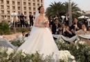 Giải trí - Video: Đông Nhi xinh đẹp tựa công chúa rạng rỡ bước vào lễ đường