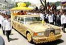 Tin thế giới - Lối sống xa xỉ bậc nhất của quốc vương Brunei: Máy bay dát vàng, gara chứa hàng ngàn siêu xe