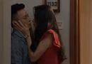"""Giải trí - Hoa hồng trên ngực trái tập 31: Ngân """"bám dai như đỉa"""", hôn Bảo rồi bị Khuê bắt gặp"""