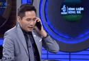 """Thể thao 24h - BTV Quốc Khánh bị """"ném đá"""" vì giả vờ gọi điện thoại cho Văn Lâm sau sai lầm của Tiến Dũng"""