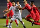 """Thể thao 24h - """"Tả xung hữu đột"""" trong trận gặp U22 Singapore, Đức Chinh bị yêu cầu thử doping"""