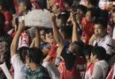 Fan Indonesia giơ ngón tay thối trên khán đài, thầy Park đáp trả bất ngờ