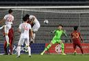 Bóng đá - Trực tiếp trận Việt Nam- Indonesia 1-0 (h1): Văn Hậu đánh đầu xé lưới Indonesia