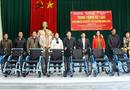 Việc tốt quanh ta - Trao tặng xe lăn cho người khuyết tật tỉnh Thái Nguyên