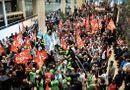 Tin thế giới - Giao thông tại Pháp tê liệt trầm trọng vì biểu tình phản đối cải cách lương hưu