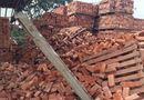 Tin trong nước - Bắc Giang: Đống gạch cao 5m bất ngờ đổ sập khiến 4 công nhân thương vong