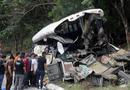 Tin thế giới - Tai nạn kinh hoàng xe buýt đâm xe tải, 21 người chết