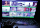 Giáo dục pháp luật - 22 nữ sinh bị lừa quay phim khiêu dâm, phát tán trên web đen