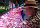 """Kinh doanh - """"Nóng"""" các siêu thị bắt đầu hạ giá thịt lợn"""