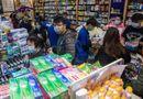 Tin thế giới - Tù nhân Hong Kong làm việc ngày đêm để sản xuất khẩu trang trong dịch virus corona