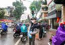 Việc tốt quanh ta - Khắc Việt tự bỏ tiền mua 30.000 khẩu trang phát miễn phí cho người dân