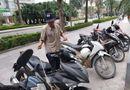 Cộng đồng mạng - Bị trộm bẻ khóa lấy mất xe máy gần 200 triệu đồng trong tích tắc, bác bảo vệ nhịn ăn để đền bù