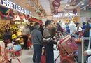 Tin trong nước - Người dân Hà Nội đổ xô đi mua lương thực sau khi có bệnh nhân nhiễm Covid-19