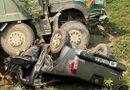 Tin trong nước - Xe hổ vồ va chạm kinh hoàng với ô tô bán tải, 3 người thoát chết thần kì