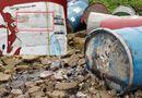 Tin trong nước - Hà Nội: Xác định đối tượng vứt thùng phuy nghi chứa chất độc hại xuống sông Hồng
