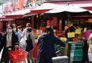 Tin thế giới - Người dân Tokyo chen chúc đi mua đồ dự trữ