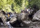Tin trong nước - Đà Nẵng: Bất chấp lệnh cách ly, nhóm phượt thủ vẫn tụ tập dã ngoại trên núi