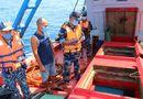 """Tin trong nước - Tạm giữ tàu chở 50.000 lít dầu D.O """"lậu"""" trên vùng biển Tây Nam"""