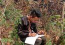 Chuyện học đường - Học sinh vùng cao dựng lán, đào củ rừng kiếm tiền mua thẻ điện thoại để học online trong mùa dịch